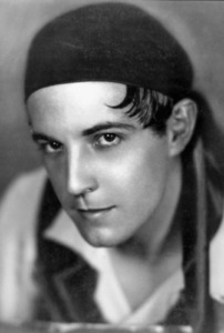 Ramon NovarroJune 1929Photo by George Hurrell - Image 0806_0489