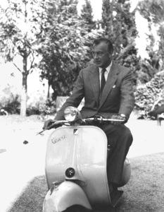 Gary Cooper on a Vespa scooter circa 1958 ** I.V. - Image 0809_0861