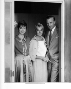 Gary Cooperat home with daughter Maria and wife Sandra ShawC. 1957 © 1978 John Engstead - Image 0809_0884