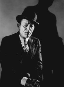 Lon ChaneyFilm Set / MGMUnholy Three, The (1930)0021505 - Image 0810_0407