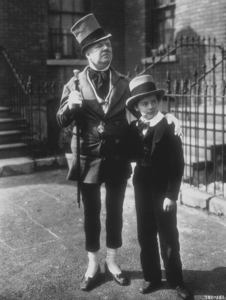 "W.C. Fields and Freddie Bartholomew in ""David Copperfield,"" MGM 1934. © 1978 Ted Allan MPTV"