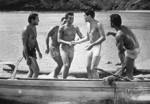 "Elvis Presleyin ""Blue Hawaii""1961 Paramount - Image 0818_0085"