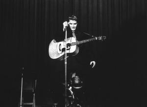 Elvis Presley performing in L.A., 1956. Photo: Ernest Reshovsky © 1978 Marc Reshovsky - Image 0818_0532