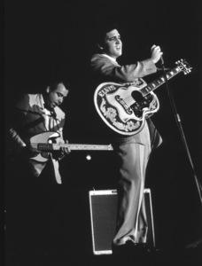 Elvis Presley performing in L.A., 1956. Photo: Ernest Reshovsky © 1978 Marc Reshovsky - Image 0818_0535