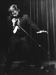 Elvis Presley performing in L.A., 1956. Photo: Ernest Reshovsky © 1978 Marc Reshovsky - Image 0818_0536