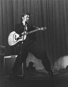 Elvis Presley performng in L.A., 1956. Photo: Ernest Reshovsky © 1978 Marc Reshovsky - Image 0818_0539