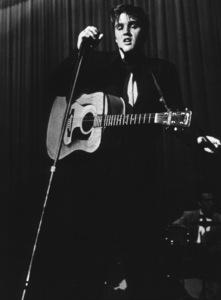 Elvis Presley, 1956 L.A. performance. Photo: Ernest Reshovsky © 1978 Marc Reshovsky - Image 0818_0541