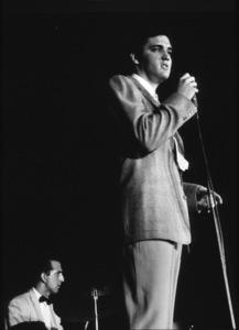 Elvis Presley, 1956 L.A. performance. Photo: Ernest Reshovsky © 1978 Marc Reshovsky - Image 0818_0545