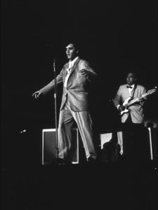 Elvis Presley, 1956 L.A. performance. Photo: Ernest Reshovsky © 1978 Marc Reshovsky - Image 0818_0546