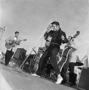 Elvis Presley performing in Tupelo, Mississippi 1956 © 1978 Roy Cummings - Image 0818_0754