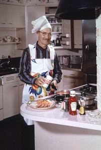 Groucho Marx posing for a Rheingold beer advertisement 1950 © 1978 Paul Hesse - Image 0820_0097