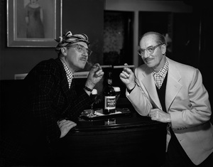 Groucho Marx posing for a Rheingold beer advertisement 1957 © 1978 Paul Hesse - Image 0820_0106a