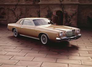 Ricardo Montalban and his 1975 Chrysler Cordoba1975 © 1978 Sid Avery - Image 0823_0057