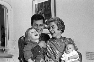 Tony Curtis at home with wife Janet Leigh and daughters Kelly and Jamie Lee Curtis January 7, 1959 © 1978 Bernie Abramson  - Image 0845_0593