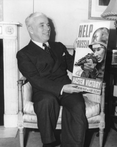 Charlie Chaplin promoting the Second Front to help RussiaDecember 1942**I.V. - Image 0860_0698