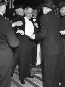 """Charles Chaplin at """"The Great Dictator"""" premiere 1940** I.V. - Image 0860_0772"""