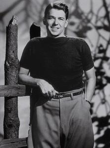 Ronald ReaganC. 1944MPTV - Image 0871_0017