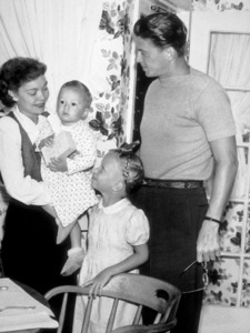 Ronald Reagan with wife Jane Wyman, son Michael and daughter Maureen1946 © 1978 Lloyd MacLeanMPTV - Image 0871_0638