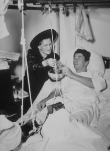 Ronald Reagan with mother NelleC. 1941MPTV - Image 0871_1138