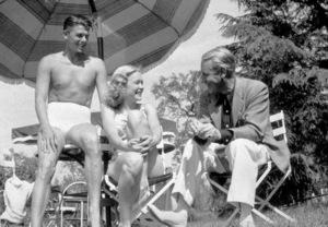 Ronald Reagan with first wife Jane WymanC. 1941MPTV - Image 0871_1141