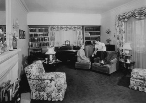 Ronald Reagan and wife Jane Wyman at homeC. 1946MPTV - Image 0871_1148