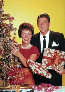 Ronald Reagan with wife Nancy ReaganC. 1955 © 1978 Gabi RonaMPTV - Image 0871_1156