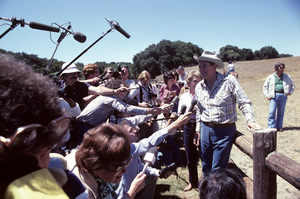 Ronald Reagon with wife, Nancy Reagan, and the press at Rancho del Cielo in Santa Ynez, CA1980© 1980 Gunther - Image 0871_1596