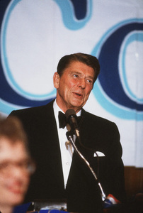 Ronald Reagan at Nassau GOP Republican committee event1979 © 1979 GuntherMPTV - Image 0871_1618