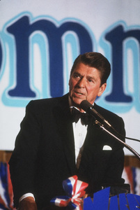 Ronald Reagan at Nassau GOP Republican committee event1979 © 1979 GuntherMPTV - Image 0871_1619