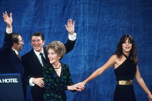 Ronald Reagan with Nancy and Patti Reagan at the Century Plaza HotelC. 1980 © 1980 GuntherMPTV - Image 0871_1644