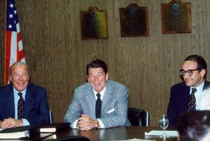 Ronald Reagan with Sec. of State George P. Shultzand Alan Greenspan1980 © 1980 GuntherMPTV - Image 0871_1645