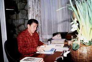 Ronald Reagan in Pacific Palisades1980 © 1980 GuntherMPTV - Image 0871_1649