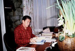 Ronald Reagan in Pacific Palisades1980 © 1980 GuntherMPTV - Image 0871_1649