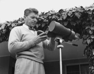 Ronald Reagan at homeJune 27, 1955 © 1978 Gabi RonaMPTV - Image 0871_1653