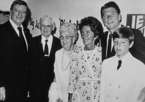 Ronald Reagan with John Wayne, parents Nelle and Jack, wife Nancy and son RonC. 1972 © 1978 Bud GrayMPTV - Image 0871_1698