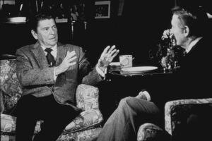 Ronald Reagan being interviewed by Vin ScullyC. 1980 © 1980 Gabi RonaMPTV - Image 0871_1699