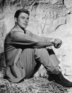 Ronald ReaganC. 1941MPTV - Image 0871_1700