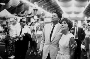 Ronald Reagan with wife Nancy Reagan campaigning ata county fairC. 1964-65 © 1978 Bud GrayMPTV - Image 0871_1704
