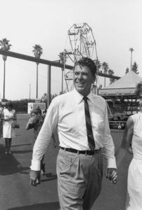 Ronald Reagan with wife Nancy Reagan campaigning ata county fairC. 1964-65 © 1978 Bud GrayMPTV - Image 0871_1707
