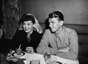Ronald Reagan with first wife Jane WymanC. 1945MPTV - Image 0871_1716