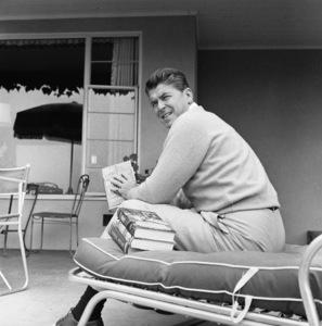 Ronald Reagan at home 1955 © 1978 Gabi Rona - Image 0871_1740