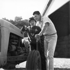 Ronald and Nancy Reagan at their ranch in the Santa Monica mountains circa 1966 © 1978 Gene Trindl - Image 0871_1747