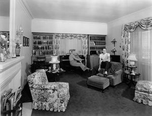 Ronald Reagan and Jane Wyman at homecirca 1942 - Image 0871_1812