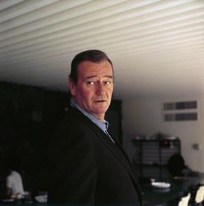 John Wayne at home on Louise Street in Encino, California 1958 © 1978 Bernie Abramson - Image 0898_3263