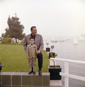 John Wayne and his son, Ethan, at home 1966 © 1978 Bernie Abramson - Image 0898_3272