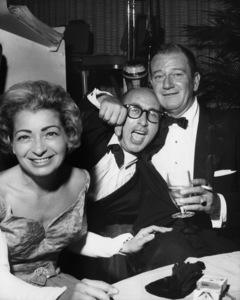 John Wayne, Bernie Abramson and Gladys Abramsoncirca 1960s© 1978 Bernie Abramson - Image 0898_3430