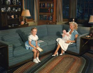 Betty Grable at homecirca 1940s - Image 0904_0413