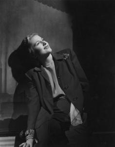 Joan Fontaine1945 © 1978 Alex Kahle - Image 0922_0064