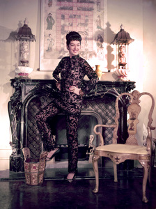 """Rosalind Russell publicity photo for """"Auntie Mame""""1958 Warner Brothers - Image 0952_0013"""