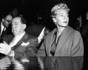 Lana Turner and Jerry Giesler at the Johnny Stompanato murder trial 1958 ** I.V. - Image 0954_0710